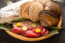 新鮮な地元魚介類