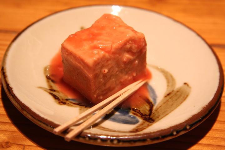 豆腐よう (東洋のチーズ)かなりくせがありまして 爪楊枝で舐める様に少量を頂きます(おつまみ)