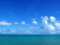 沖縄へお越しならばやっぱり一度は海をご覧下さい