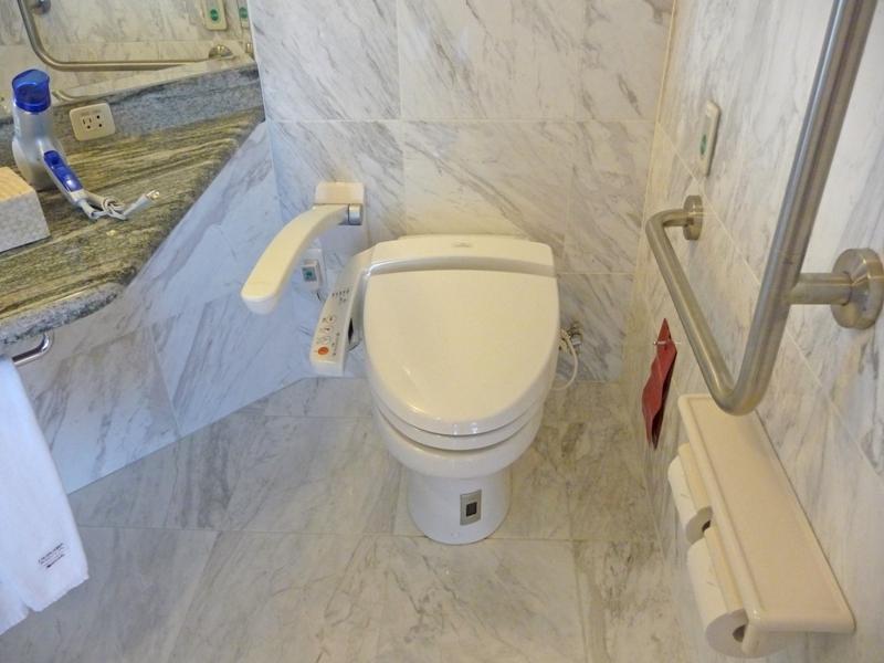 【ユニバーサルルーム】/バスルーム
