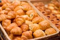 【朝食】/ホテルメイドのパン