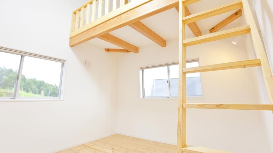 *【客室一例】グループ棟のロフト付き寝室
