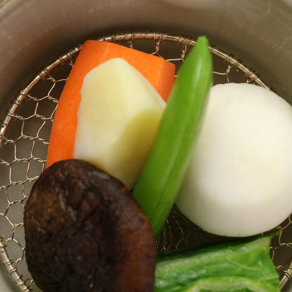 『小町』蒸し野菜。こだわりぬいた竹田産食材で、お野菜中心のヘルシーな献立いたしました