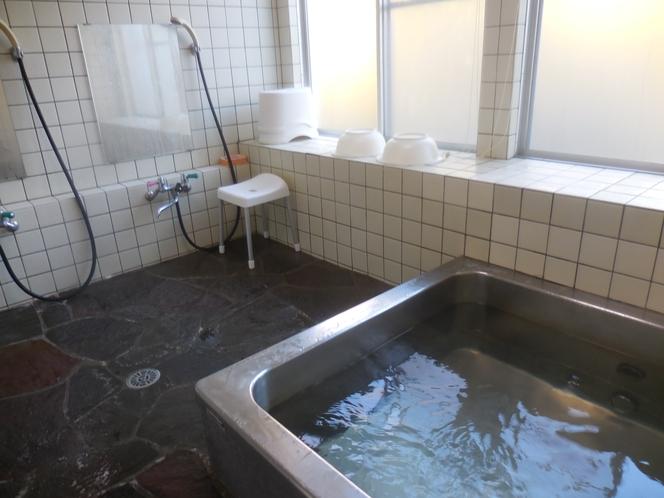館内の家族風呂は24時間ご入浴できます。【貸切風呂】