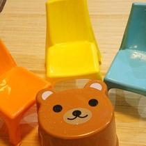 【お子様グッズ】お風呂にはお子様用のイスをご用意しております。