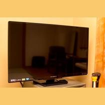 【客室のTV】和室には32インチ、洋室・ログルームには24インチサイズのテレビを完備しております。