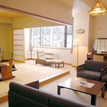【山側最上階・和室】広々ゆったり♪当館最上階の和室と洋室を兼ね備えた客室。