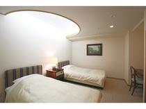 デラックスファミリースイート(126平米)/ベッドルームにはたっぷり収納ができます