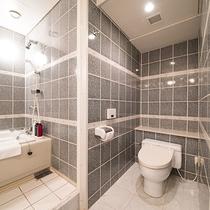 *スクエアスイート(62平米)/洗面台やお風呂は広々と利用できる点が高評価です