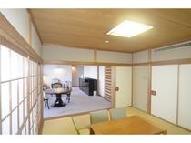 デラックスファミリースイート(126平米)/和室があるのでお布団を敷いてお休みすることができます