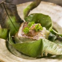 鮮魚の朴葉焼き