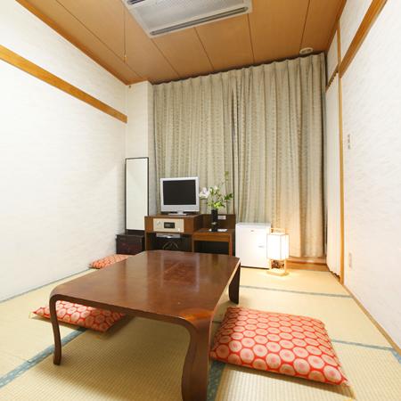 和室7.5畳(最大3名様までお入りいただけます。)
