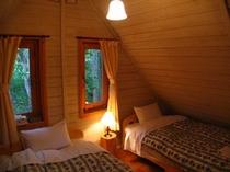 A棟 屋根裏のベッドルームは人気