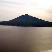 *飛行機から望む利尻富士