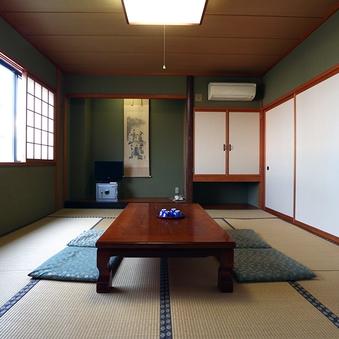 落ち着いた雰囲気の和室10畳