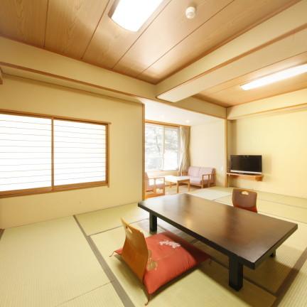 広めの12畳和室