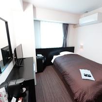 2Fリニューアル客室:セミダブル/シンプルでありながら通常客室とは一線を画した設備にてご提供