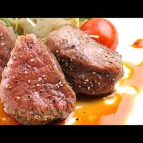 【山形牛ステーキ】霜降りのきめ細やかさはお肉がとろけるような美味しさ♪