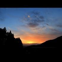 沈む夕日も眺められる、ここにしかないロケーション