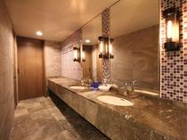 【ファミリールーム(52平米)】バスルーム