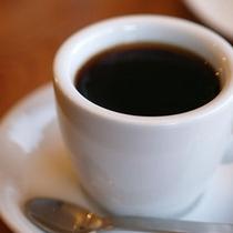 朝はコーヒーだけのお客様にもホットコーヒーをご用意。