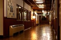 湯治棟廊下