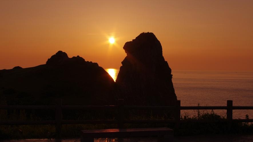 *■猿岩/夕日■そっぽを向いた猿に見えるという有名な観光地です!