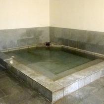 *【風呂①】大理石風呂となっています。