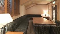 【カラオケルーム シャンテ】カラオケルームを2部屋設けています(ご利用時間/深夜0時まで)