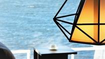 【湖&夕日側】リゾートツイン・シャワーブース付/解放感溢れる客室で至福の時間を(客室一例)