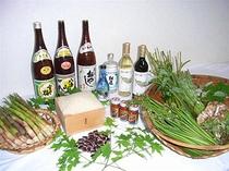 春の山菜と地酒