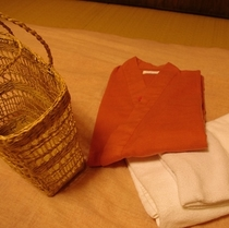 お部屋着とバスタオルとかごバック(500)