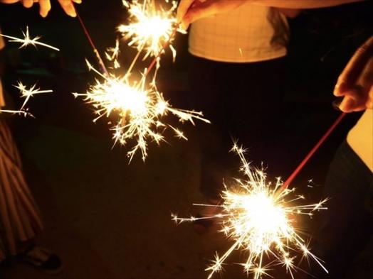 ☆花火セットをプレゼント!☆グランピングの〆は、花火できまり!☆BBQの後、ミンナで花火を楽しもう♪