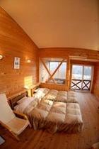 木の香りあふれる客室