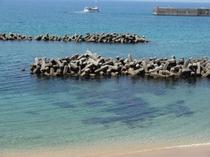 ホテル下の海辺