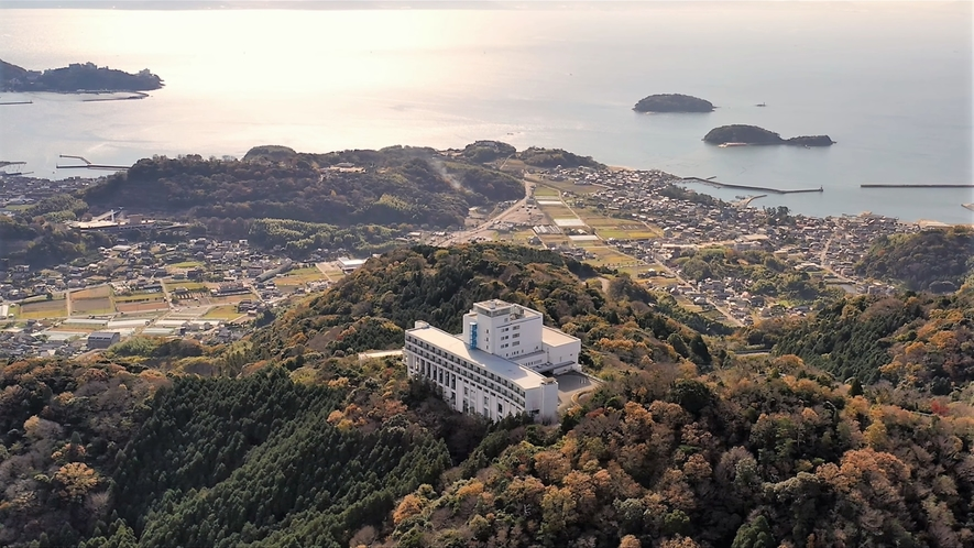 ◆【外観】高台から見下ろす三河湾の絶景