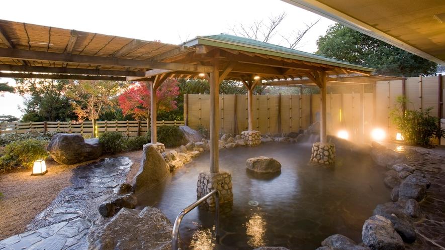 ◆天然温泉露天風呂【あじさい】落ち着いた雰囲気でリラックス。