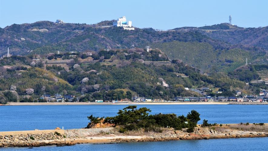 ◆【外観】山頂に位置するのが三河湾ヒルズ・ホテルです。