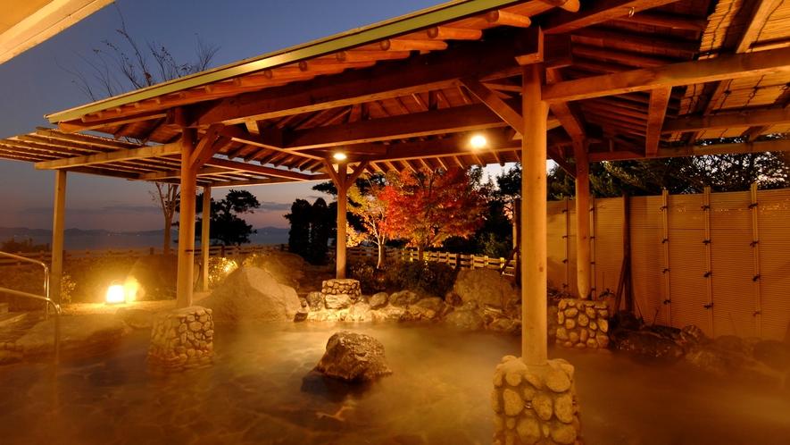 ◆天然温泉露天風呂【あじさい】野鳥のさえずりと木々の音を感じる露天風呂です。