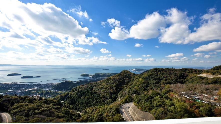 ◆三河湾に浮かぶ島々と澄んだ青空。