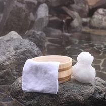 冬は雪見風呂で楽しめる