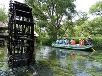 クリアボートで水上散歩!