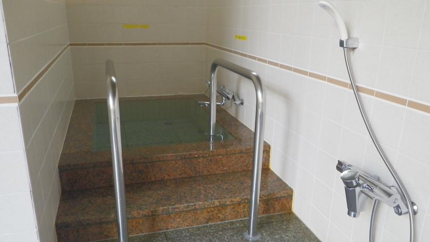 *【水風呂】サウナで疲れを取って水風呂でリフレッシュ♪安曇野の名水の水風呂は他とはちょっと違うかも?