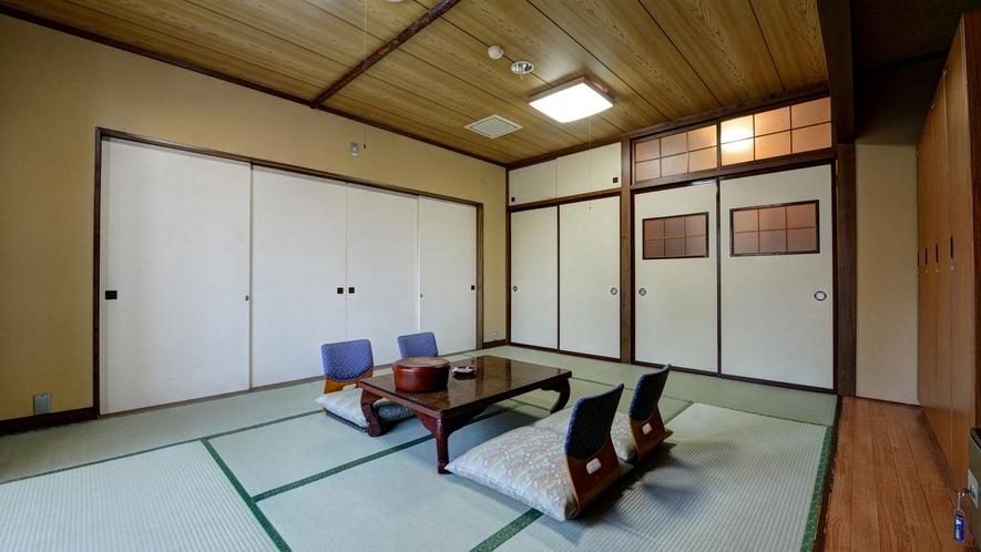 *【訳あり和室10畳】引き戸にて隣のお部屋と繋げられるタイプの和室のため訳ありとなります。