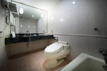 トリプル浴室