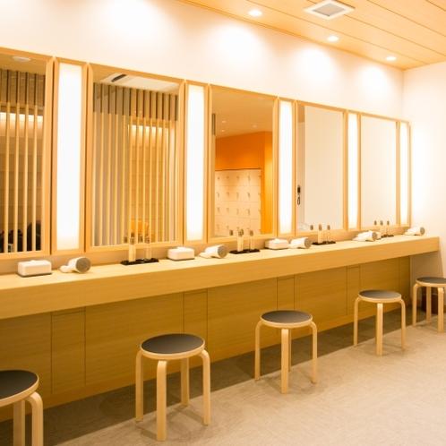 女性大浴場 ドレッサールーム
