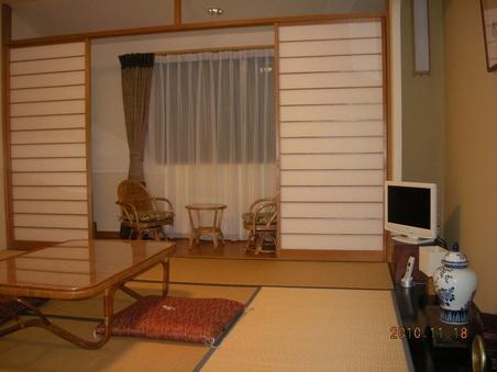 角部屋和室8畳