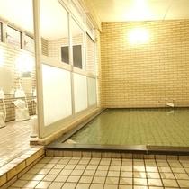 春茂登の男性大浴場