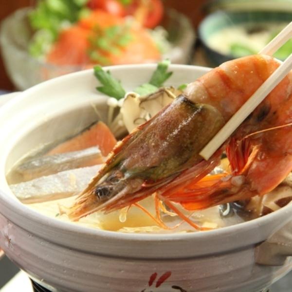 海老ときのこの彩鍋