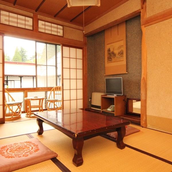 和室6畳のお部屋。ゆったり安らげるお部屋となっています。
